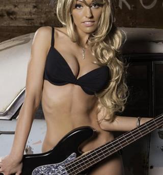 bass_girlz_671