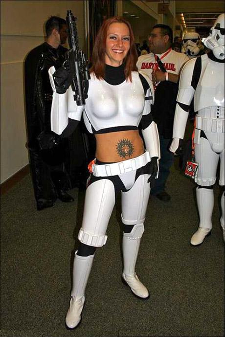 stormtroopers-500-sexy-storm-trooper-19wtmk
