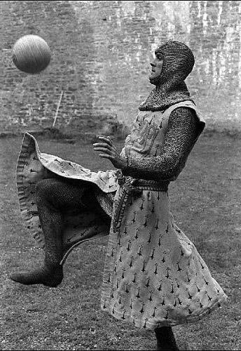Monty-Python-Holy-Grail_03
