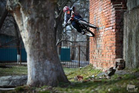 bike_wall1