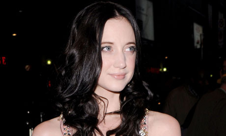 andrea_riseborough_04