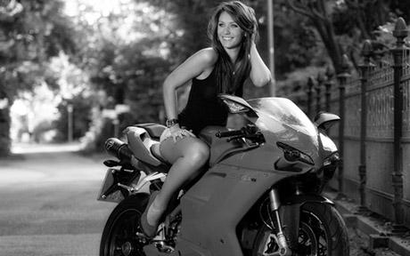 bikegirl_240
