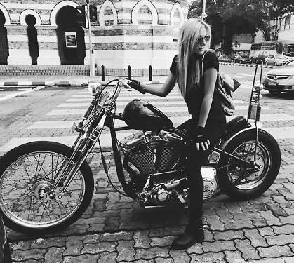bikegirl_686