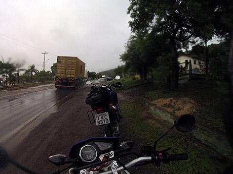 Trevo de Osório para a estrada velha, ao lado da Freeway.
