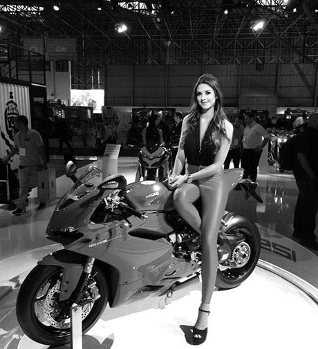 bikegirl_359
